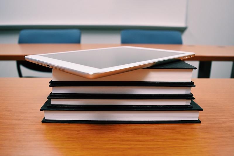 Médias sociaux : l'école est déconnectée des usages des pros
